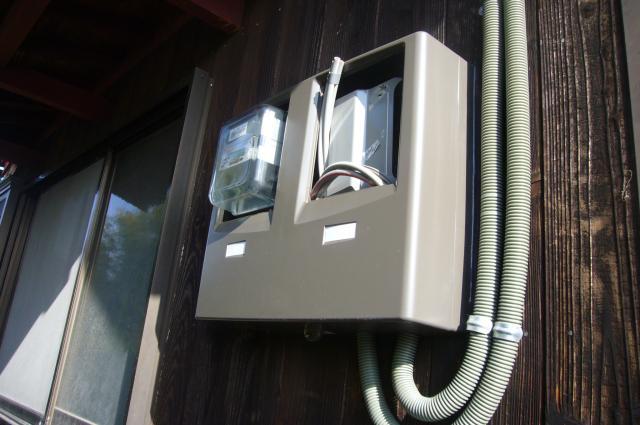 太陽光発電用2連のメーターボックス