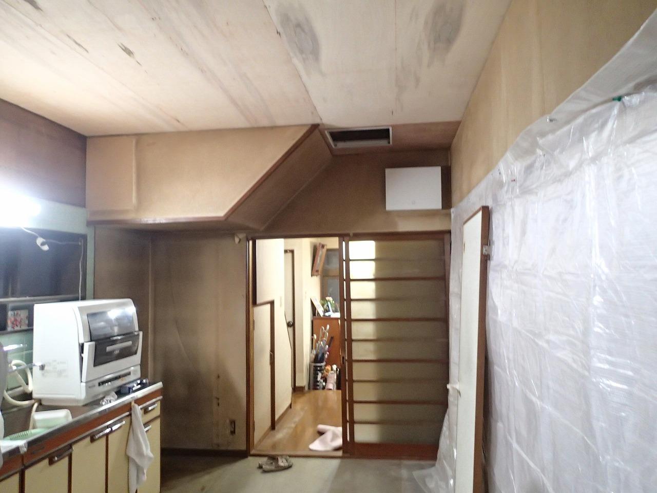 キッチン 天井張替