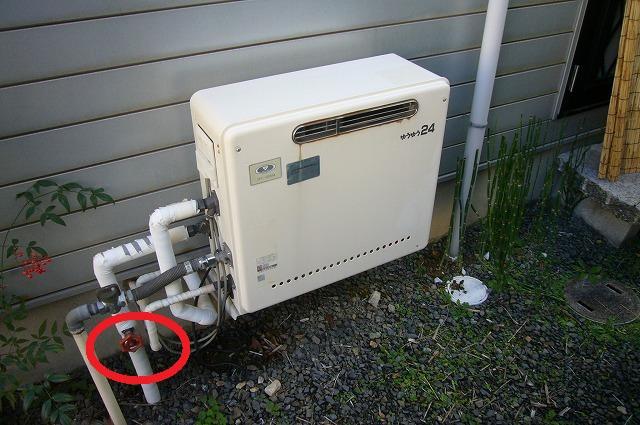 ガス給湯器 お湯が出ない バルブの部分