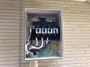 太陽光発電 東芝 接続箱