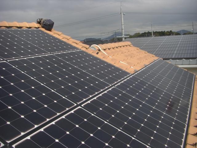 瓦施工 太陽光発電