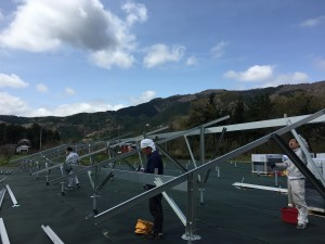 太陽光架台組立工事
