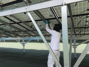 太陽光パネルの固定