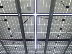 太陽光パネルの締め付け確認