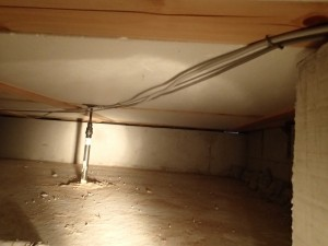 エコキュート 配線工事 床下