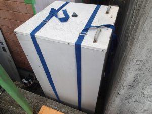 電気温水器を真上に撤去 京田辺市