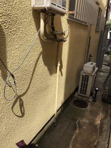 ガス給湯器のお湯の配管から水漏れ