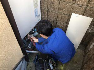 エコキュート取替工事 配管の取り外し