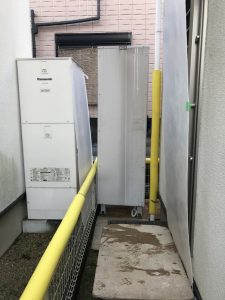 電気温水器の撤去作業のため養生
