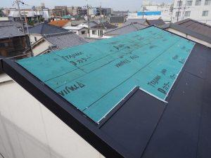 カバー工法で屋根を葺き替え