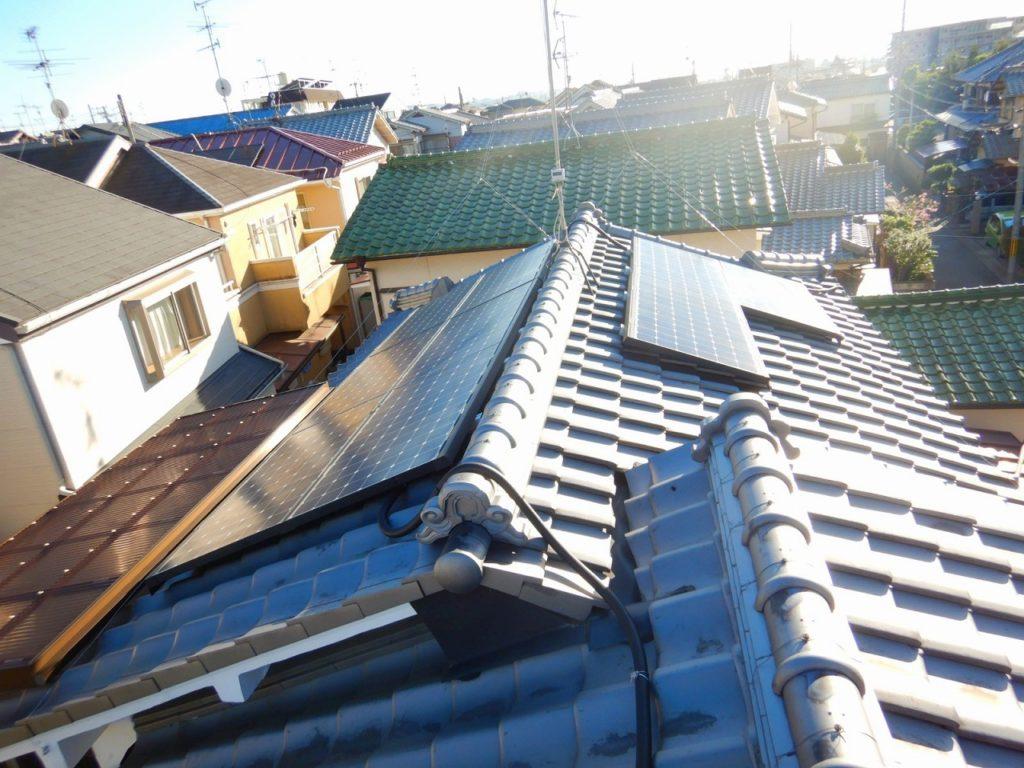 東芝 太陽光パネルの設置状況和瓦