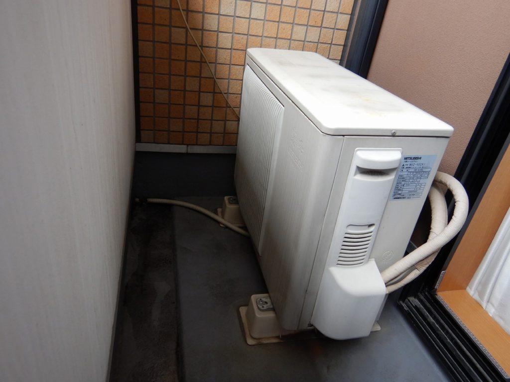 3 取り替えるエアコンの室外機