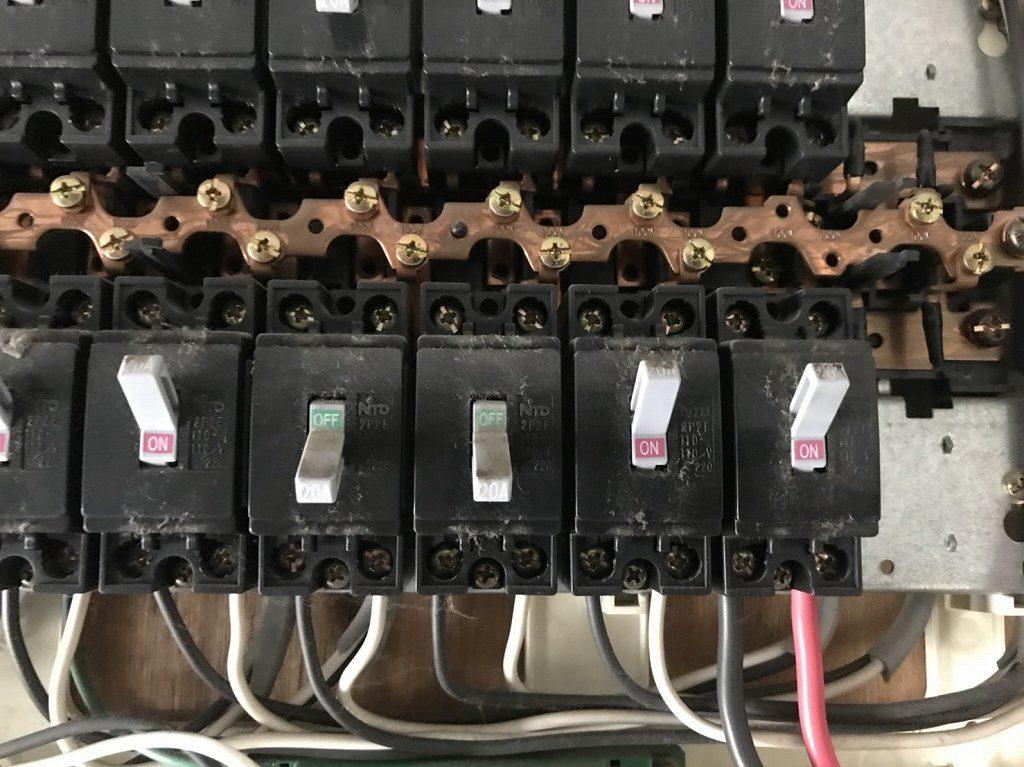 4 100Vの回路から