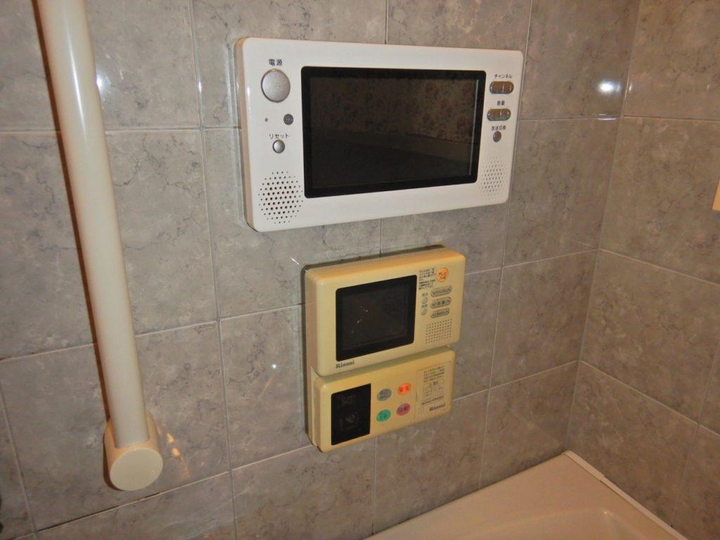 ガス給湯器のテレビ付き風呂リモコン