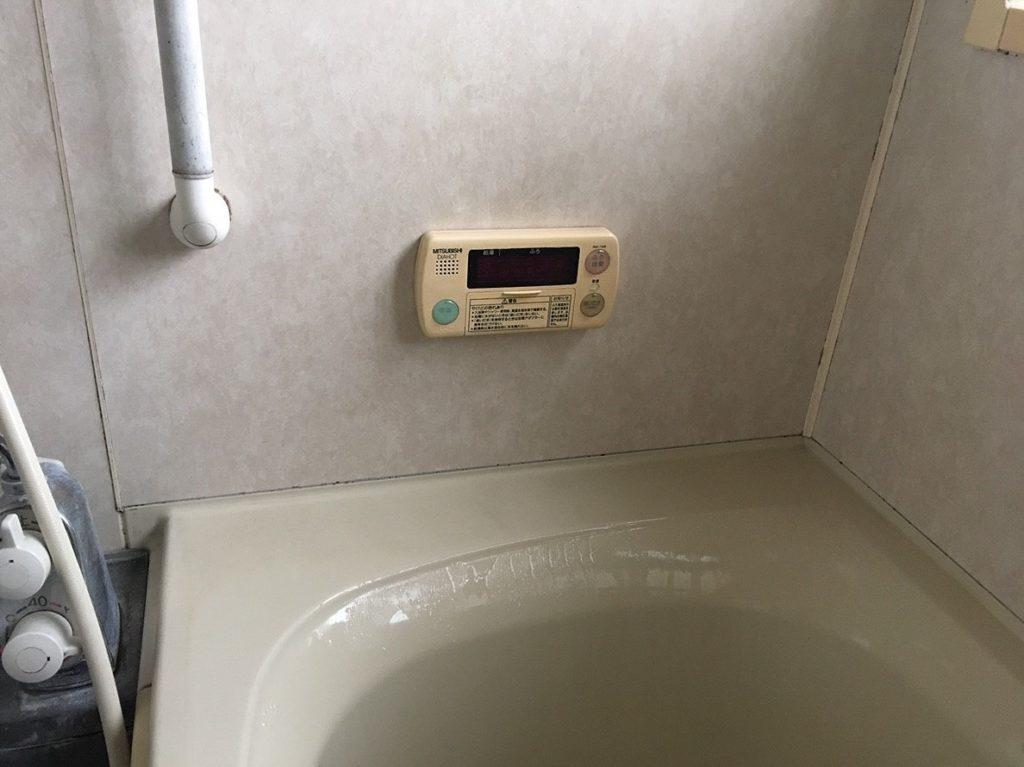 電気温水器のリモコン