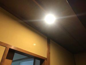 廊下に感知式のLED照明