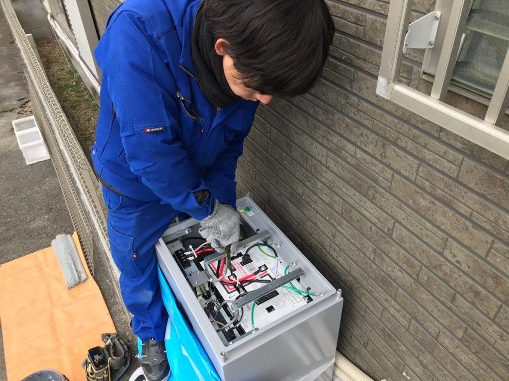 蓄電池の中のバッテリー