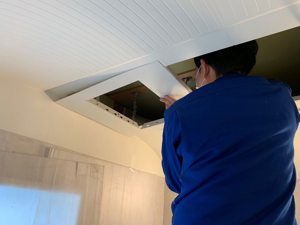P-154TSP 取替天井隙間パネルを取付