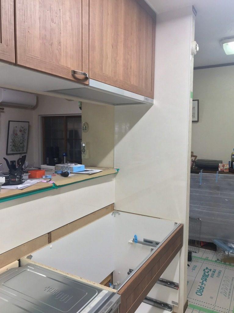Lクラスキッチンの組立