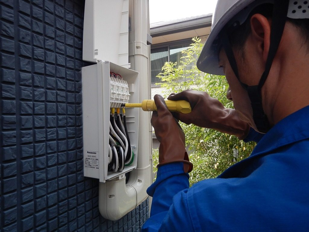 接続箱の配線チェック