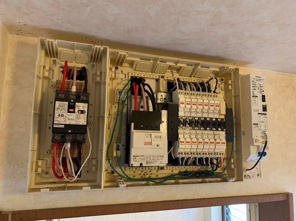 蓄電池システムの電気配線
