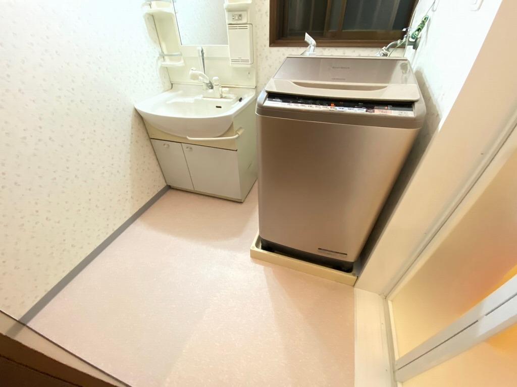 洗面所のクロス 床の張替