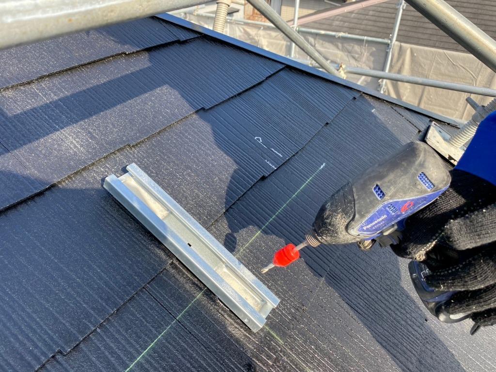 屋根材への穴あけ