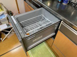 食洗機を引き出した状態