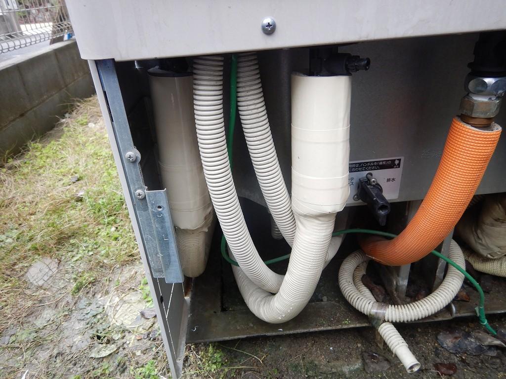 ヒートポンプ配管を交換修理