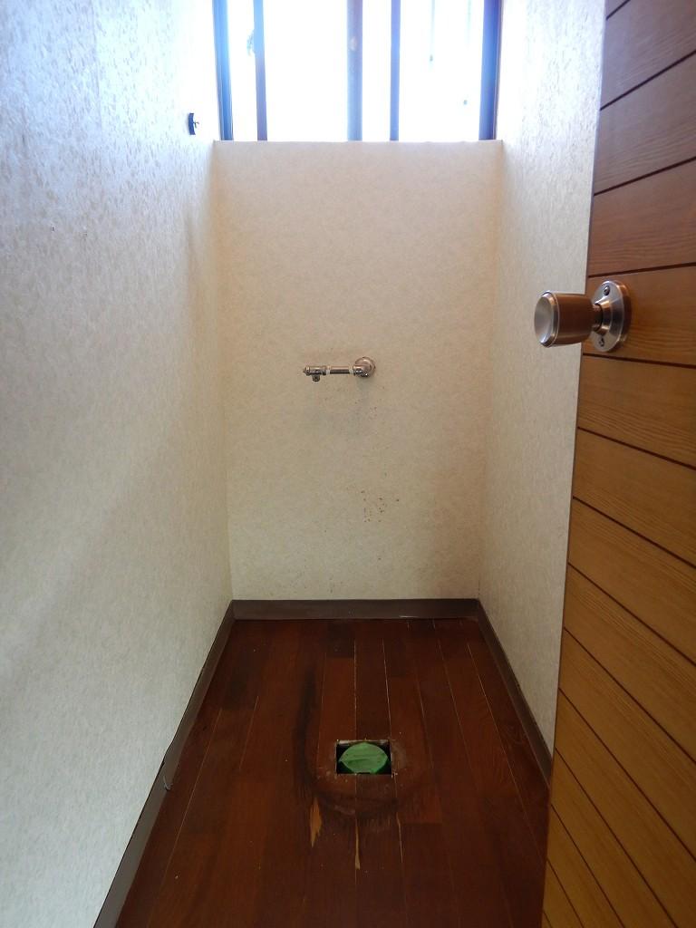 トイレを取り外した状態