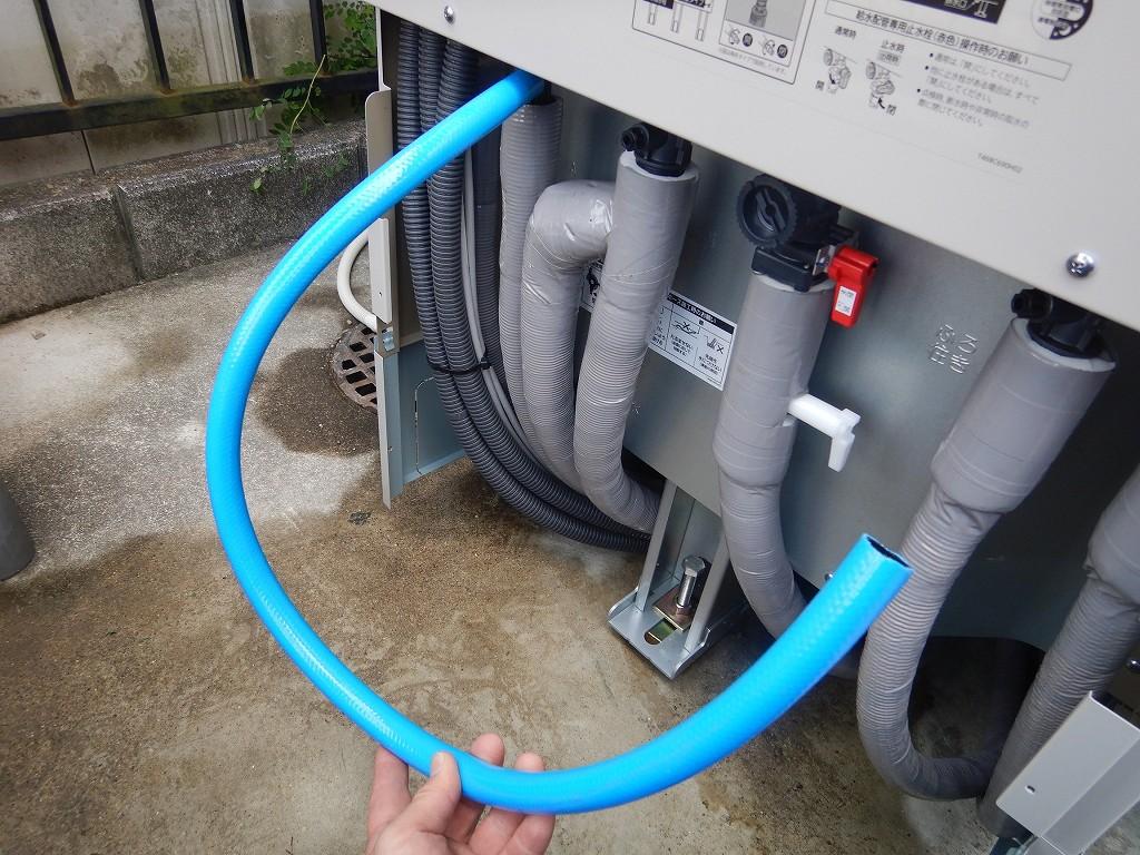 非常用の水を取り出すためのホース