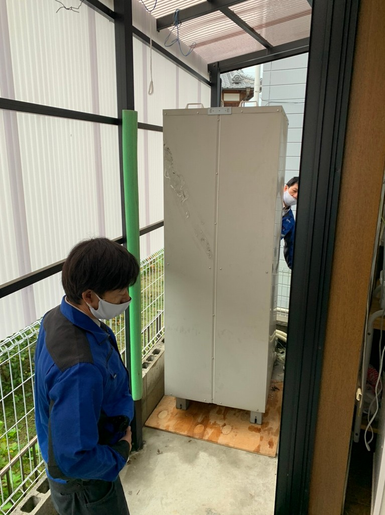 電気温水器の故障で撤去工事