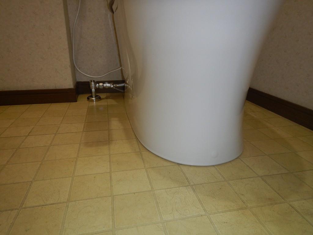 既存のトイレの跡も出ない