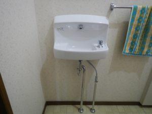 トイレ手洗い器の交換