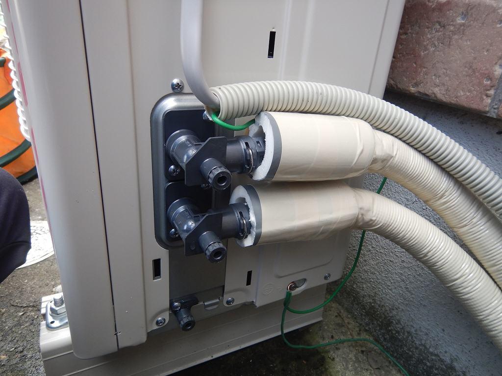ヒートポンプ配管の保護
