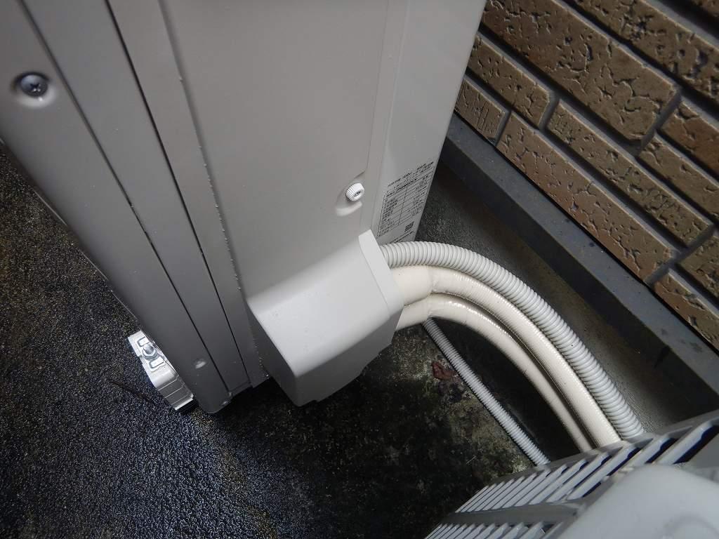 ヒートポンプの配管は根元まで保護