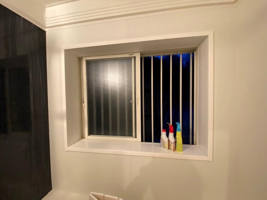 お風呂の窓から搬入