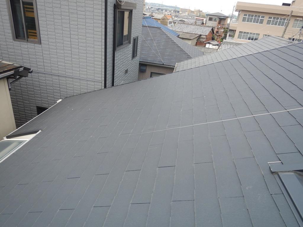 スレート屋根に太陽光パネルを設置
