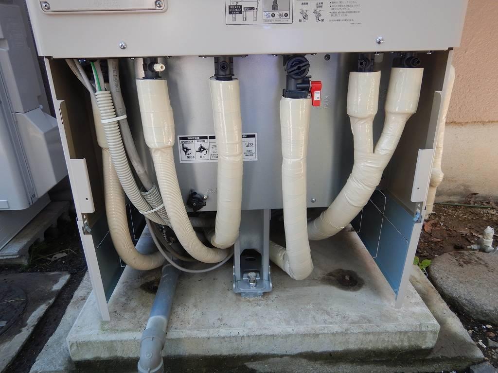 配管は断熱材で保護
