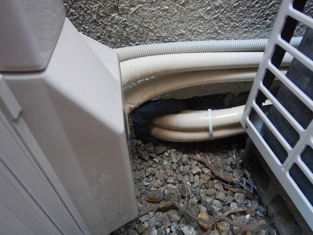 床下を通して配管を延長