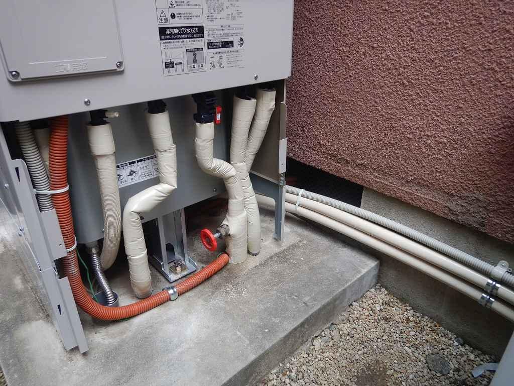 配管の断熱材の仕上げ