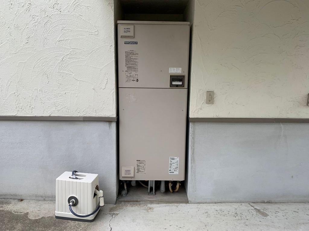 三菱電気温水器460L ロータイプ