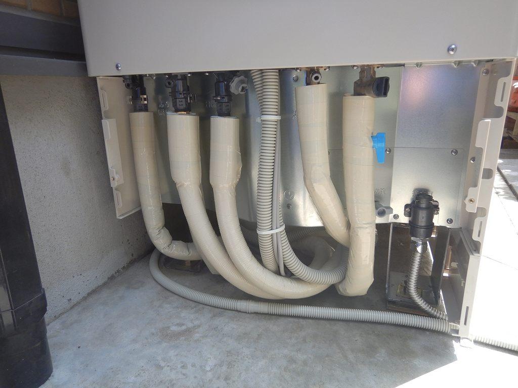 配管は全て断熱材で保護