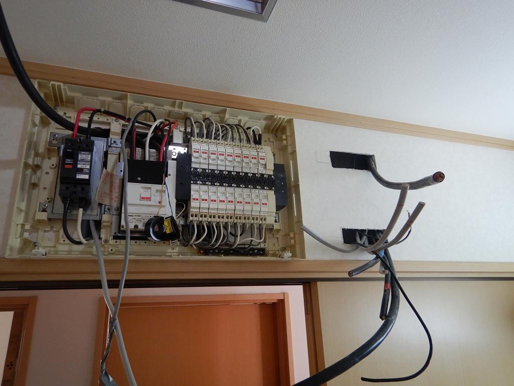 蓄電池の電気工事