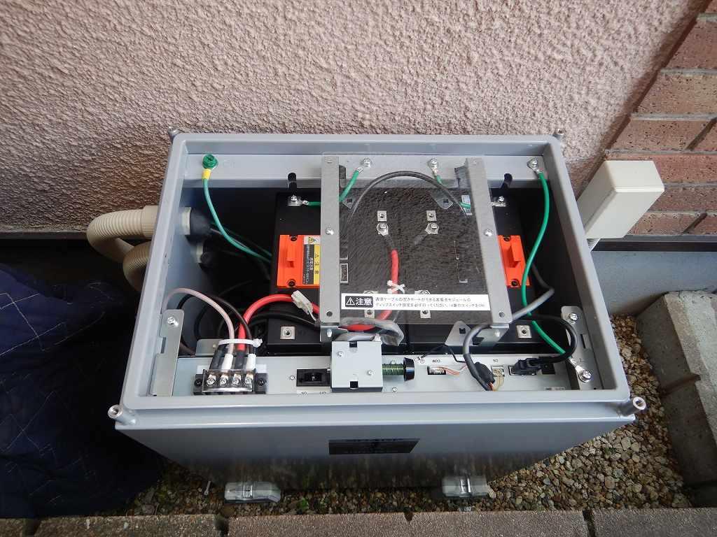 蓄電池の内部