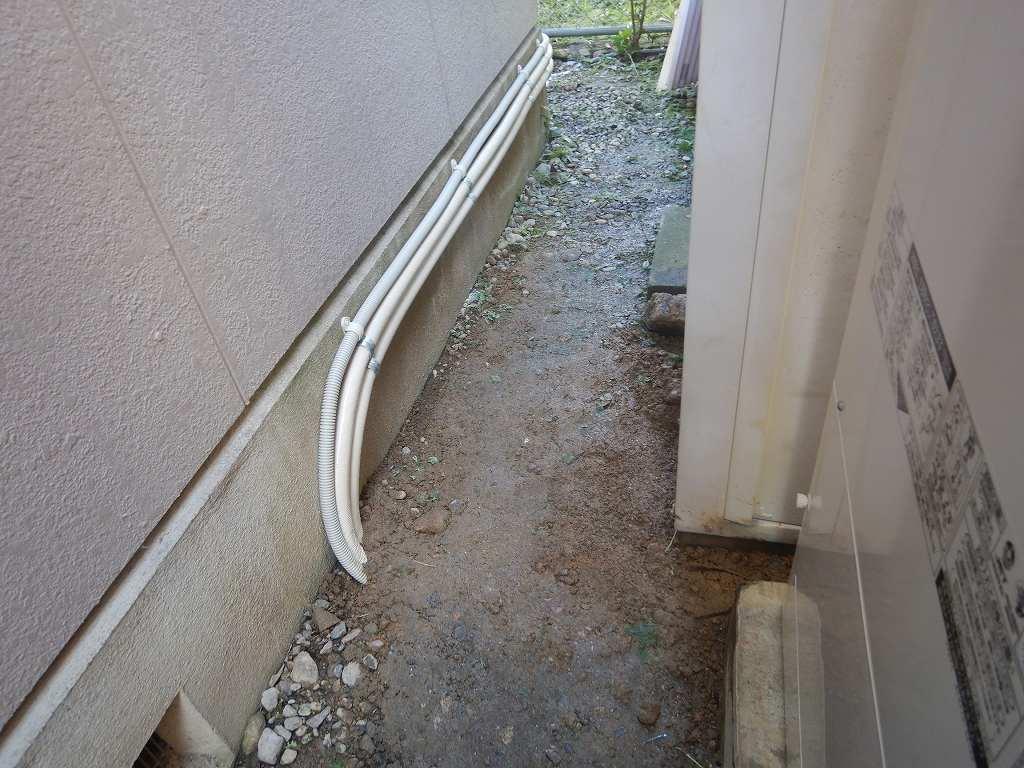 ヒートポンプ配管を埋設