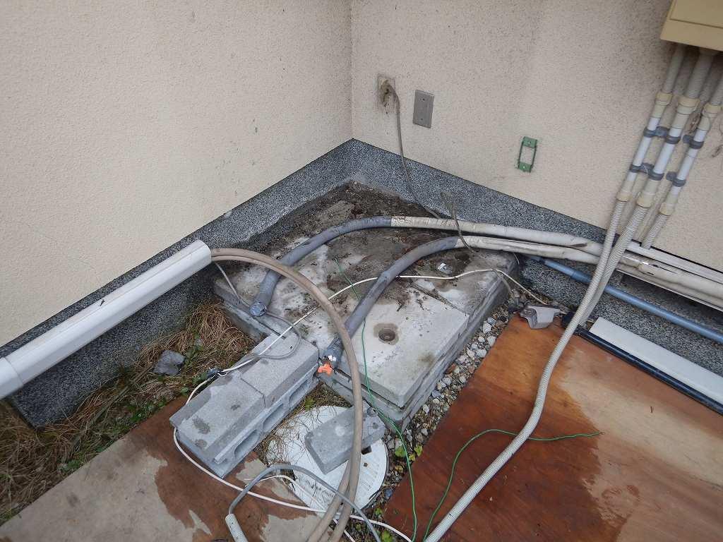 電気温水器を撤去ひた状態