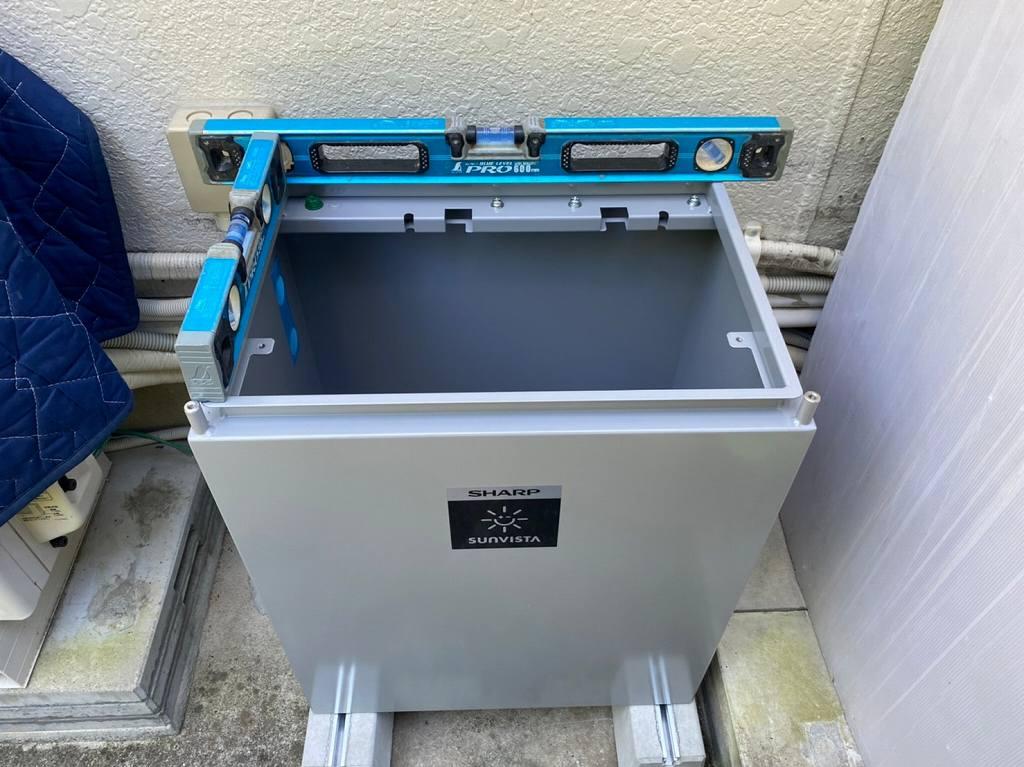 蓄電池の水平確認